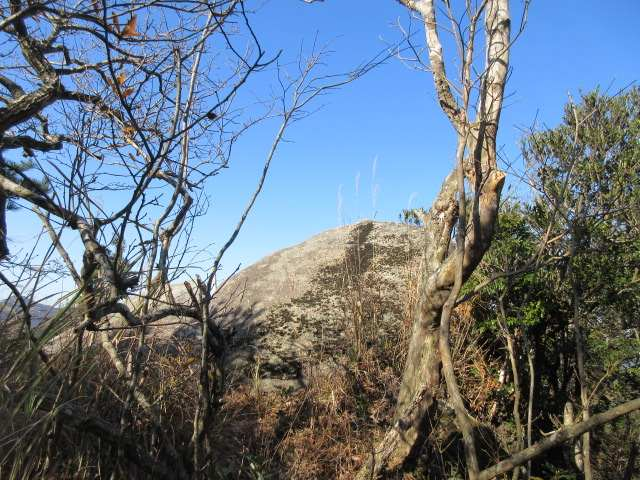 IMG0051JPG大きな露岩