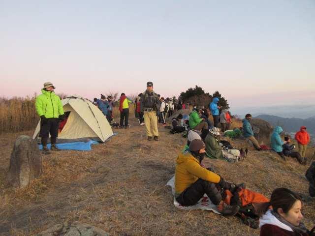 IMG0013JPG大勢の登山者です