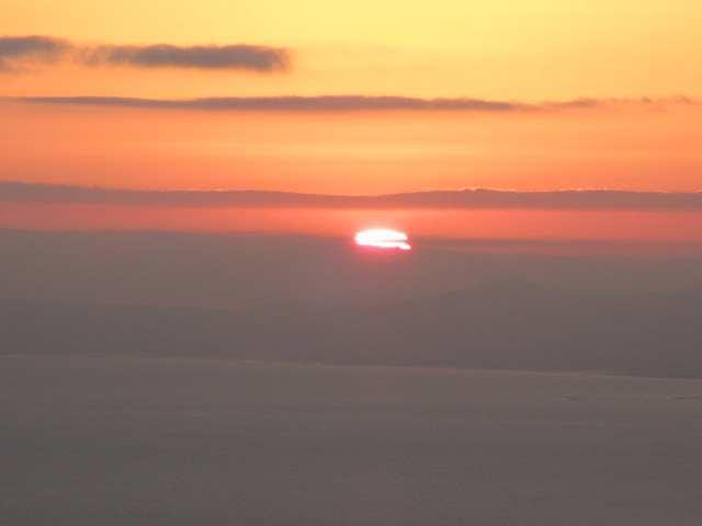 IMG0018JPG雲上より初日の出