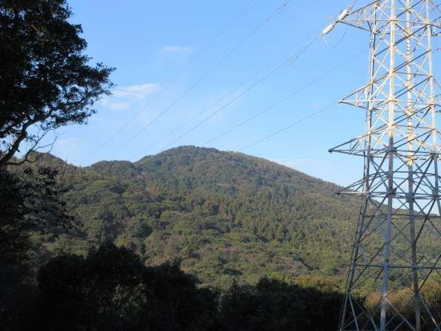 IMG0009JPG眼前の石峰山