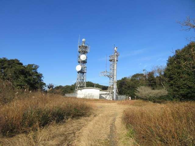 IMG0018JPG石峰山の電波塔