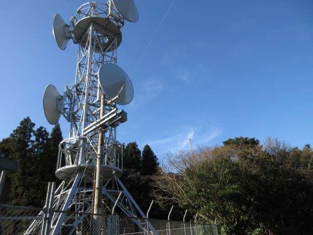 IMG0083JPG山頂下の電波塔
