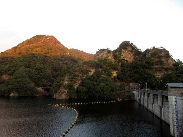 IMG0002JPG朝日の行入富士と千の岩