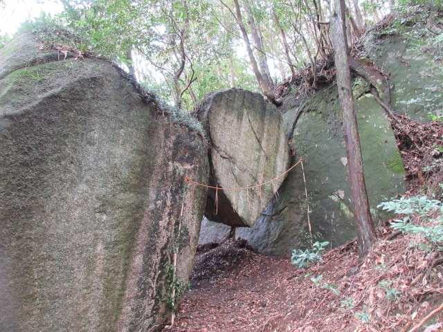 IMG0040JPG挟み岩