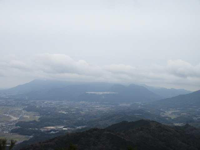 IMG0049JPG香春岳は雲の中
