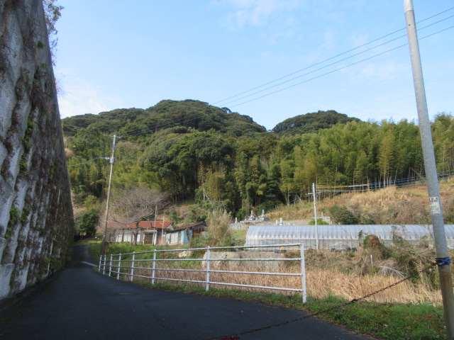 IMG0005JPG集会所と三笠山