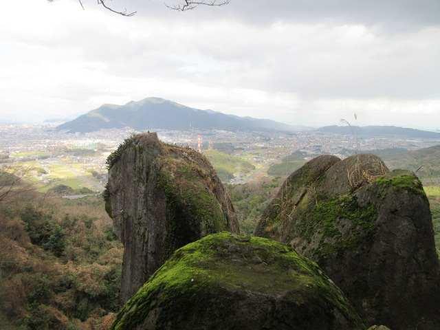 IMG0054JPG笠岩と足立山
