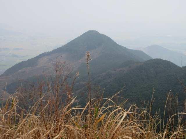 IMG0017JPG朝登った塔ヶ峰アップ