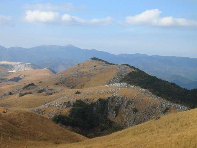 IMG0006JPG小穴と大平山