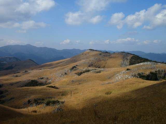 IMG0013JPG小穴と大平山