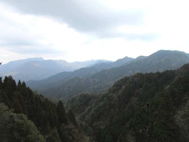 IMG0049JPG展望全開岳女キ山塊と英彦山