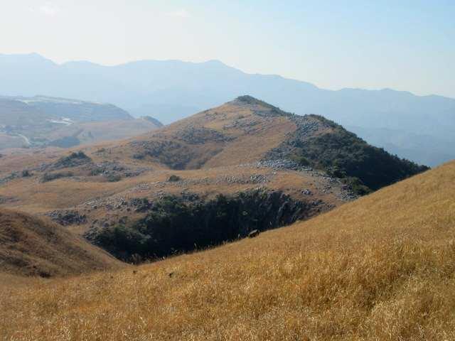 IMG0021JPG小穴と大平山
