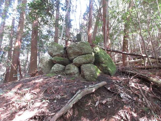 IMG0028JPG峠の石柱