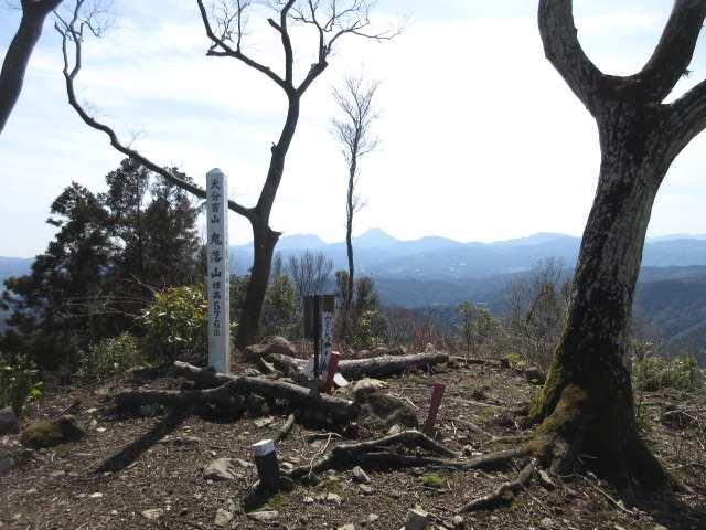 IMG0034JPG鬼落山山頂由布も