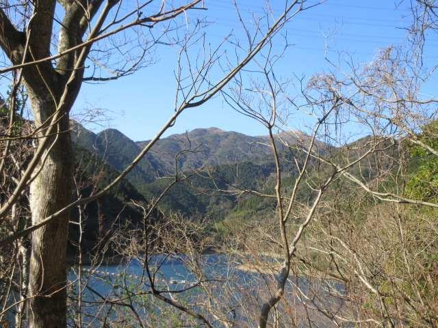 IMG0004JPG湖と福智山