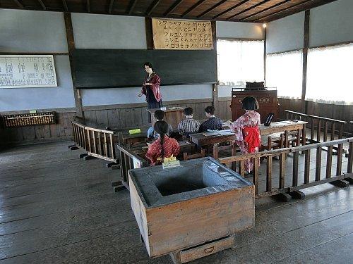 旧登米小学校・教室1
