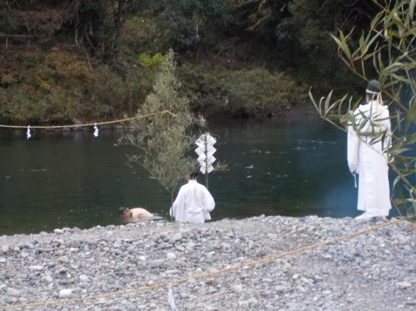 長良川で禊ぎ