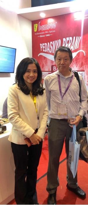 SIAL Inter Food Jakarta 2019_Bomboe社長(左)と二宮社長