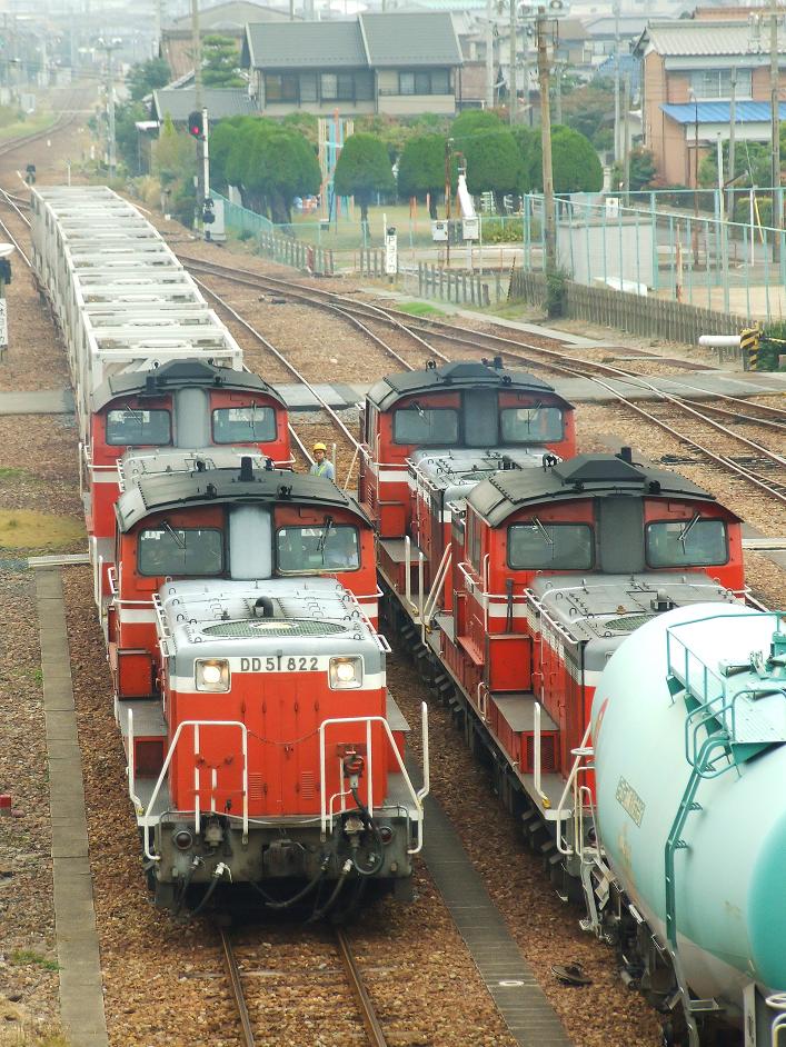 DSCF4501 091110 251レ(左)+5284レ  塩浜-1