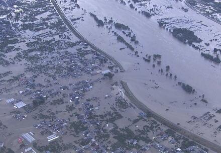 台風19号で決壊した多摩川、二子玉川新堤防の建設反対派の男性「我々は堤防が要らないと主張していた訳ではない。国交省の柔軟な対応を求めていただけ。冠水の原因となった上流の氾濫箇所は我々が運動していた区間ではない」