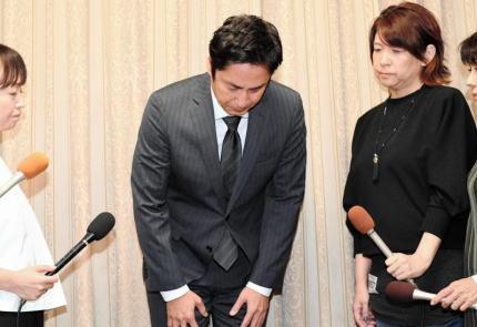 所得隠しと申告漏れが発覚したチュートリアル・徳井義実(44)、記者会見にて、今後の芸能活動について継続を希望しつつ「仕事ができなくても仕方ないと思っている」