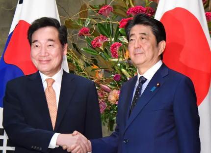 朝日新聞社説 「安倍首相と会談した韓国の李洛淵首相は『対話で7月以前の状態に戻したい』と語った。会談でも『日韓基本条約を遵守している』と明言した。その意味で日本政府による輸出規制強化は逆効果だった」