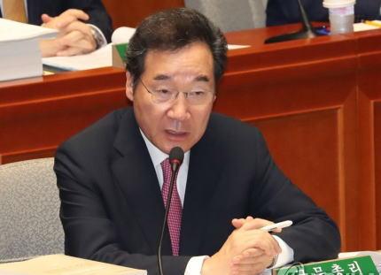 韓国政府「応募工補償の解決ために、日韓企業と韓国政府が被害補償する案」を提案→ 日本「約束守らんやん」→ 韓国「じゃ、韓国政府が補償後に日韓企業が基金を作る案は?」→ 日本「信用無いんだよオメーラ条約守れ」