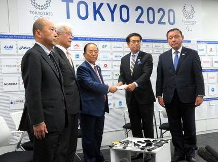 東京五輪大会組織委員会とIOC、マラソン札幌開催への合意形成に向けて「都の費用負担なし」「他競技の移転なし」「パラリンピックマラソンは東京開催」の3条件で東京都を説得