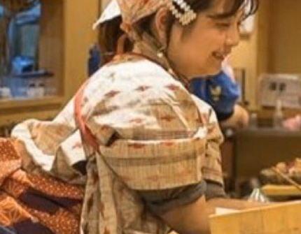「女性が寿司を握るのはダメですか」 女性寿司職人、メディアに動画で取り上げられる→ 動画内の不衛生な調理過程を指摘される→ 「あら探しすんな」と逆ギレ