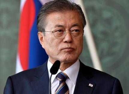 文在寅大統領、米国エスパー国防長官のGSOMIA破棄撤回の要求に対して「輸出規制を行っている日本と軍事情報を共有するのは難しい」と明確に拒否 … 文大統領自ら「GSOMIA破棄」を明言したのは初