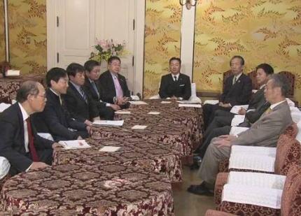 「桜を見る会」をめぐり、特定野党が29日以降の国会審議を拒否、一足早い正月休みへ