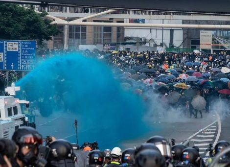 2019年3月から続いている香港のデモ、デモ参加者「日本のメディアが一番中国寄りの報じ方だ。中国メディアに近い。欧米メディアは民主化を暴力で押さえ付ける政府や警察を絶対悪として軸がブレない」
