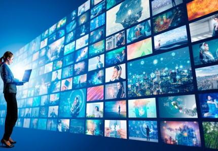 民放キー局5局、テレビ番組を放送と同時にネットに流す同時配信を今秋始める方向で準備 … キー局の番組が全国で見られるが地方局には大きな試練に。ローカル局員「地元局の放送など誰も見なくなるかも」