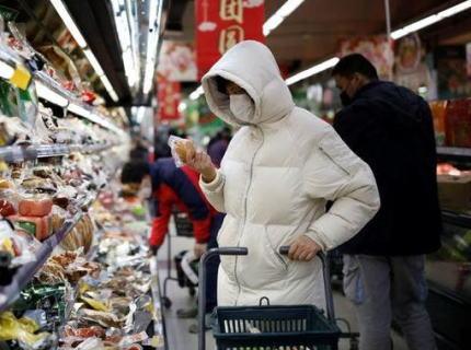 中国メディア 「新型コロナウイルス、防犯カメラの解析から、市場で買い物をしていた確定患者とマスク無しで15秒間近距離に居て感染したパターンも」