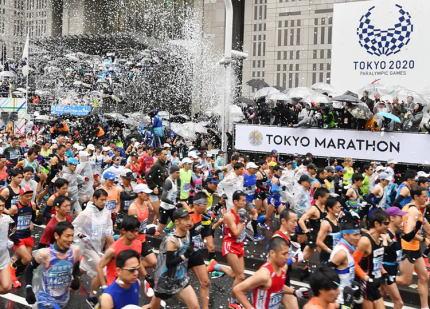 東京都の小池都知事、東京マラソンの一般参加者の出走を取りやめる事になった件について 「苦渋の決断だが、ご理解、ご協力をお願いしたい」 … 規約に基づき参加料が返金されない件については「都として、何ができるか確認する」