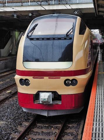 JR東日本 E653系 快速 成田山初詣常磐号【成田駅】