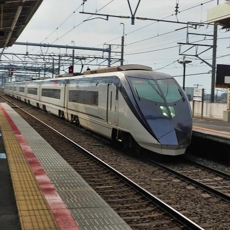 京成電鉄 スカイライナー AE形 電車【新鎌ヶ谷駅】