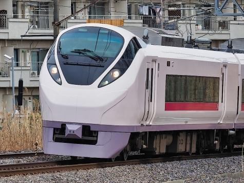 JR 常磐線 E657系 特急 ときわ74号【千波湖畔】