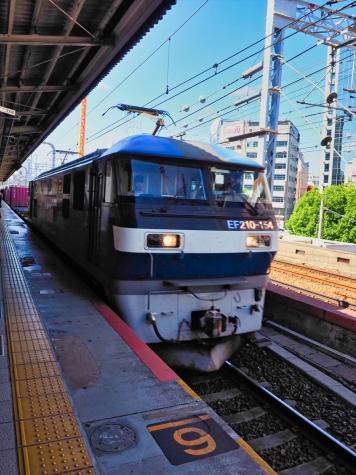 JR貨物 EF210-154 電気機関車【三ノ宮駅】
