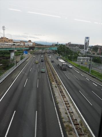 名神高速道路【大阪モノレールの車窓から】