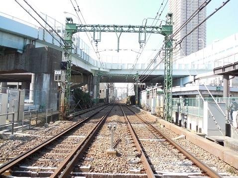 京急本線の京急新子安第1踏切道@横浜市神奈川区f