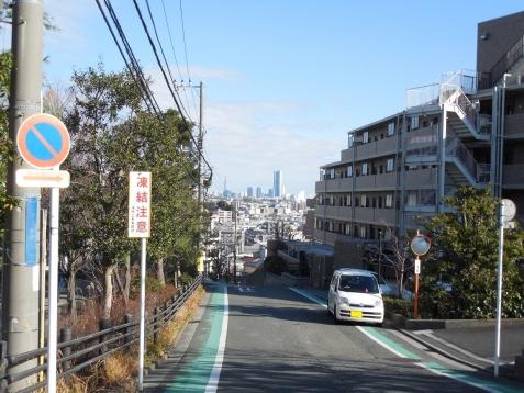 餅井坂から見たみなとみらい地区@横浜市南区a