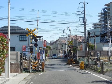小田急江ノ島線の高座渋谷4号踏切@大和市a