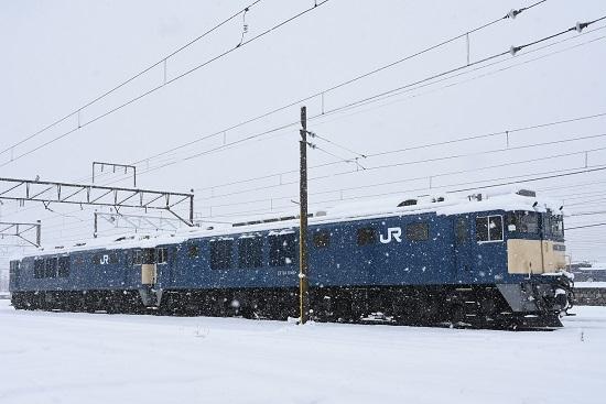 2020年3月29日撮影 南松本にて雪が降る中のEF64-1044号機+1025号機