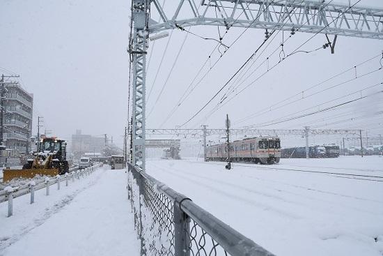 2020年3月29日撮影 南松本にてEH200-15号機とEF64-1002号機と除雪車