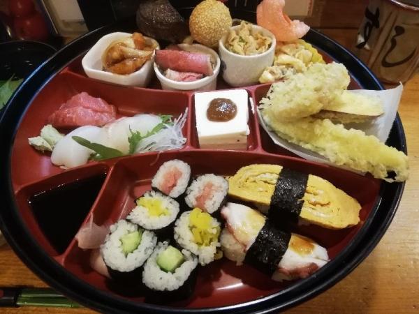 TondabayashiSushihiro_004_org.jpg