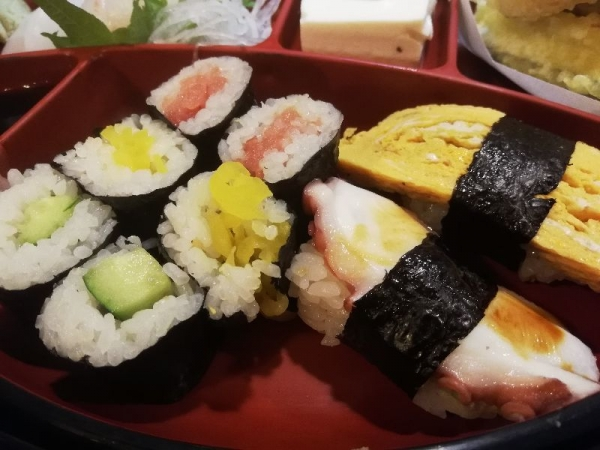 TondabayashiSushihiro_005_org.jpg