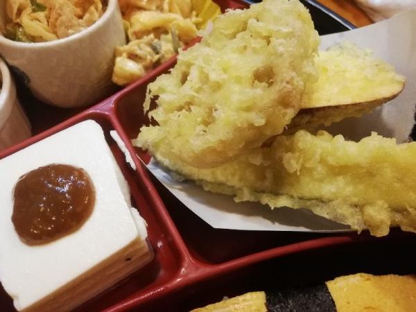 TondabayashiSushihiro_007_org.jpg