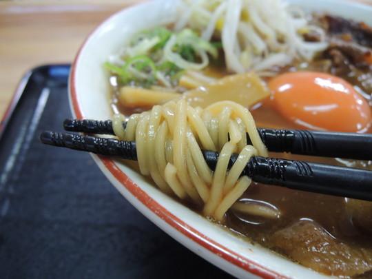 肉玉小の麺