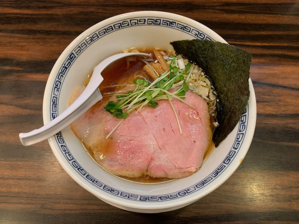 らーめん 稲荷屋 -- 醤油ラーメン(細麺)